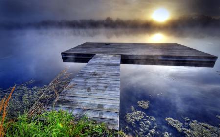 Обои озеро, мост, туман, закат