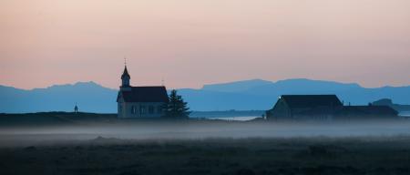 Фотографии туман, дома, церковь, дымка