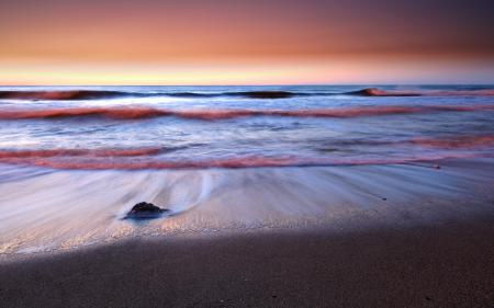 Картинки рассвет, море, волны, камень