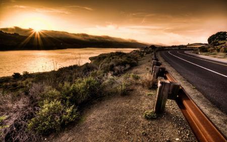 Обои закат, дорога, небо, пейзаж