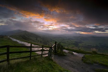 Фотографии закат, горы, забор, пейзаж