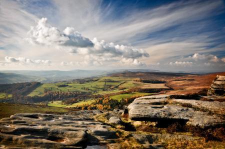 Фото долина, поля, камни, небо