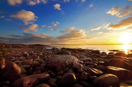 Фото море, пляж, камни, солнце