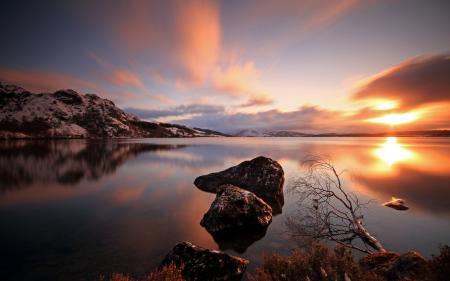 Картинки закат, озеро, камни, пейзаж