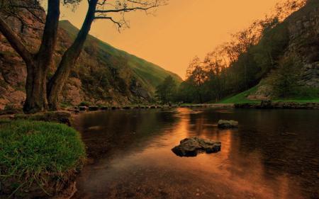 Фотографии река, спокойная, отражение в воде, камни