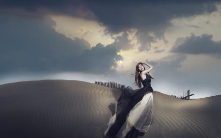 Обои девушка, азиатка, взгляд, дюны