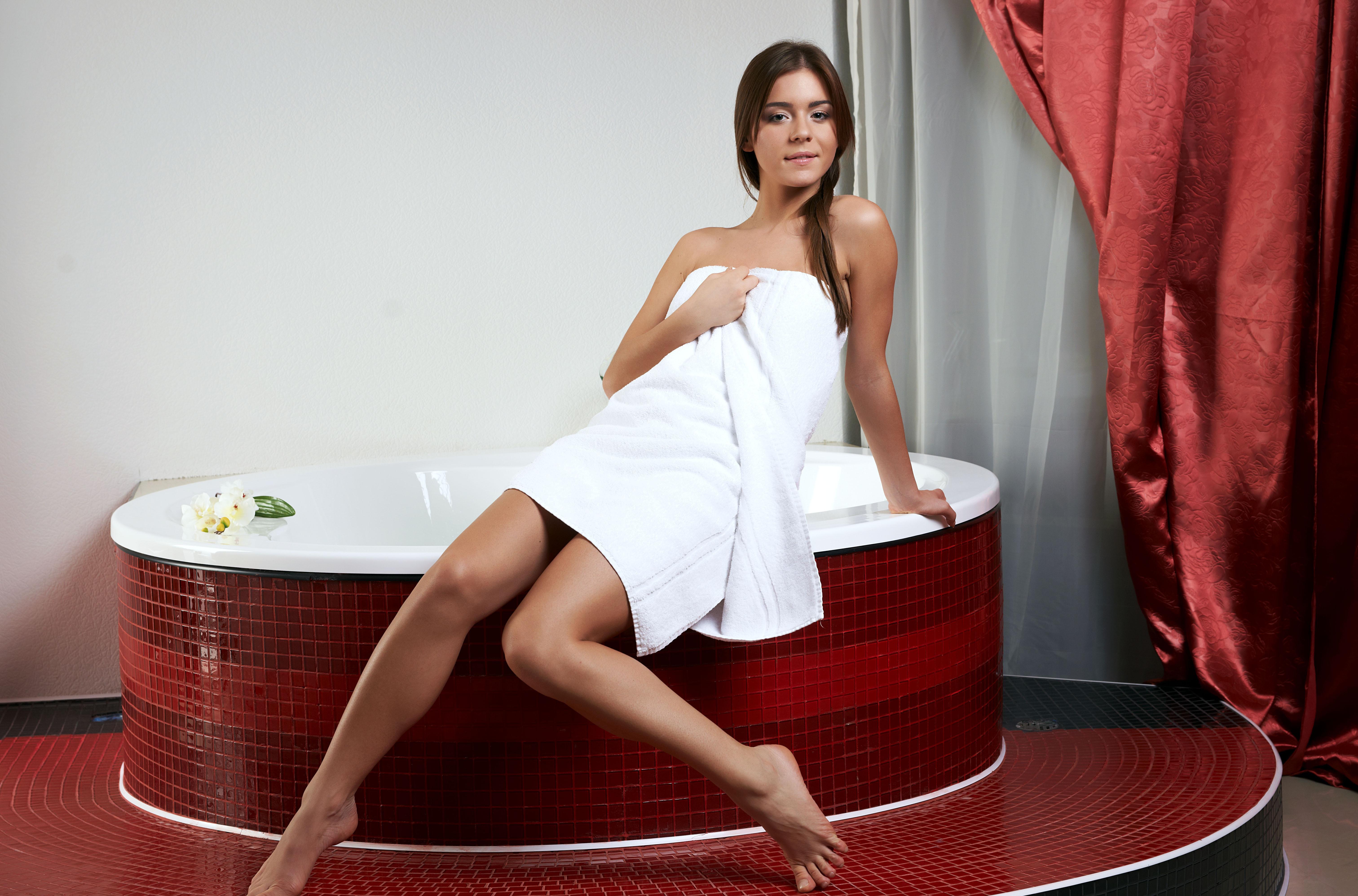 Фото девушки после ванны в халате 16 фотография