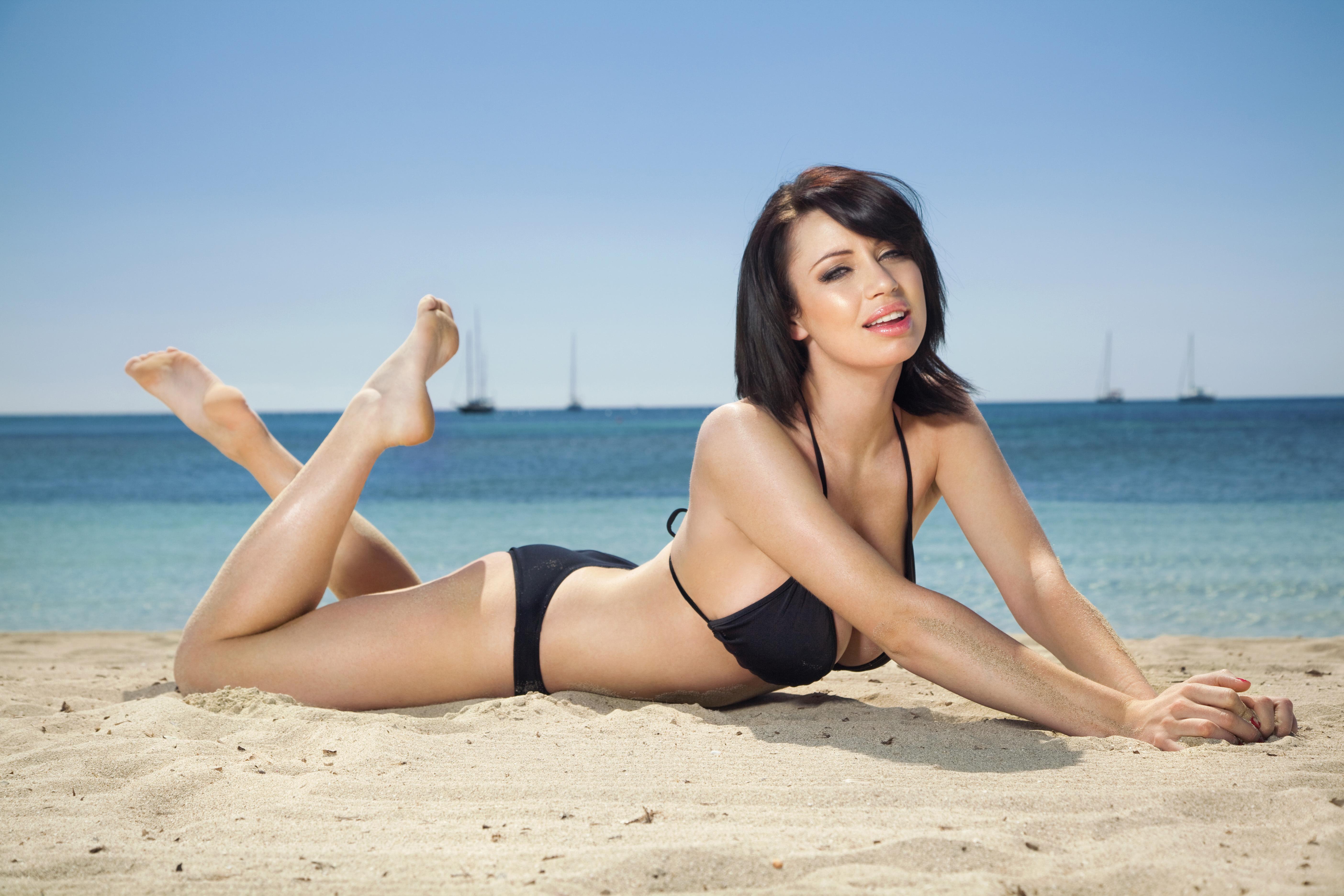 Фотографии красивых девушек на пляже 8 фотография