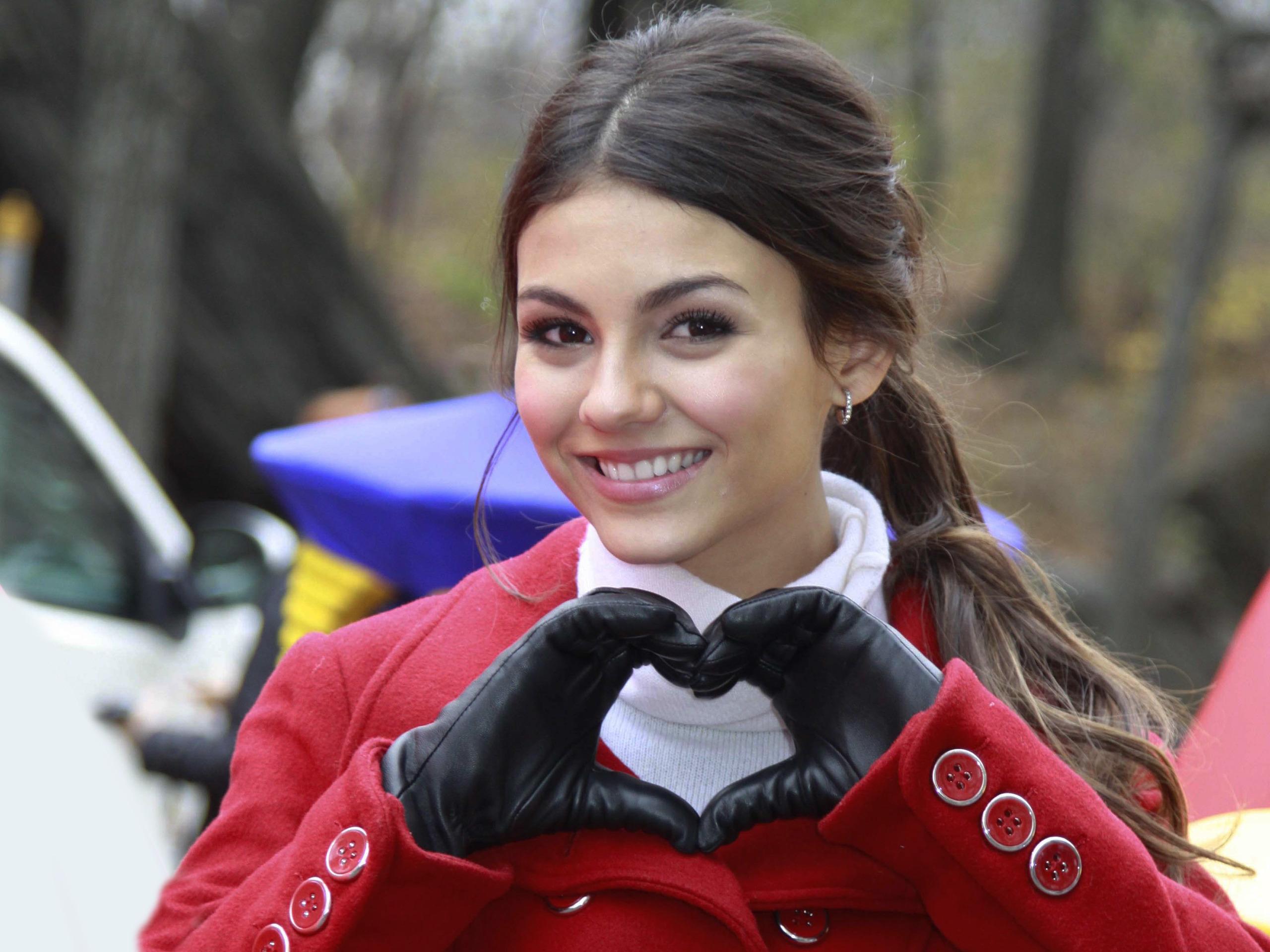 Фото девушек в пальто 26 фотография