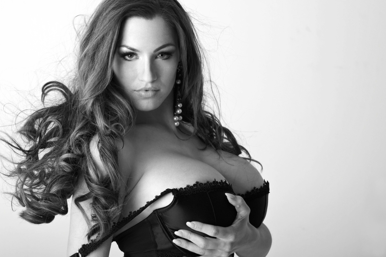 Фото женской не большой груди 16 фотография