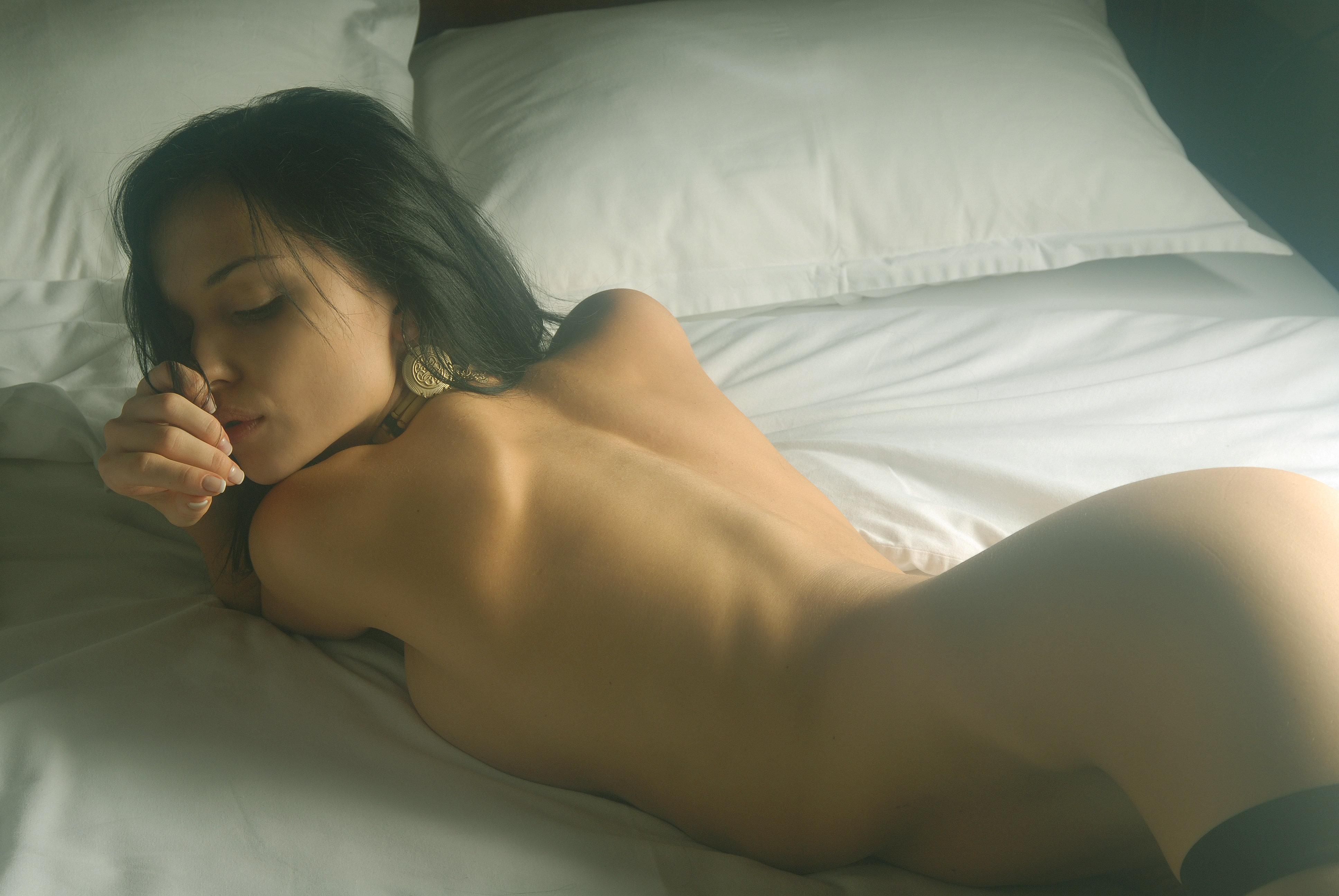 Фотографии голых красивых девушек в кровати 8 фотография