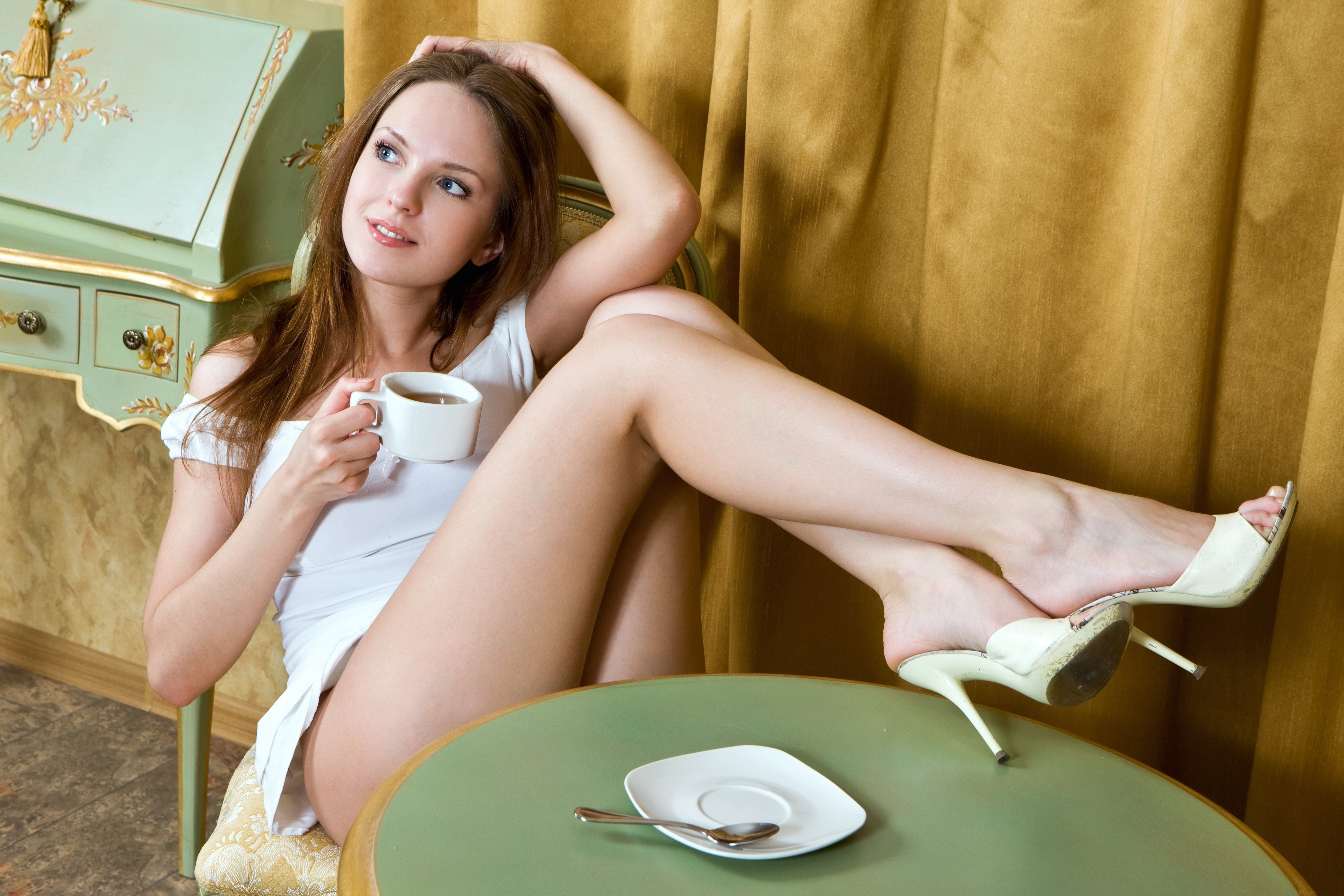 Фотки баб с ножками 3 фотография