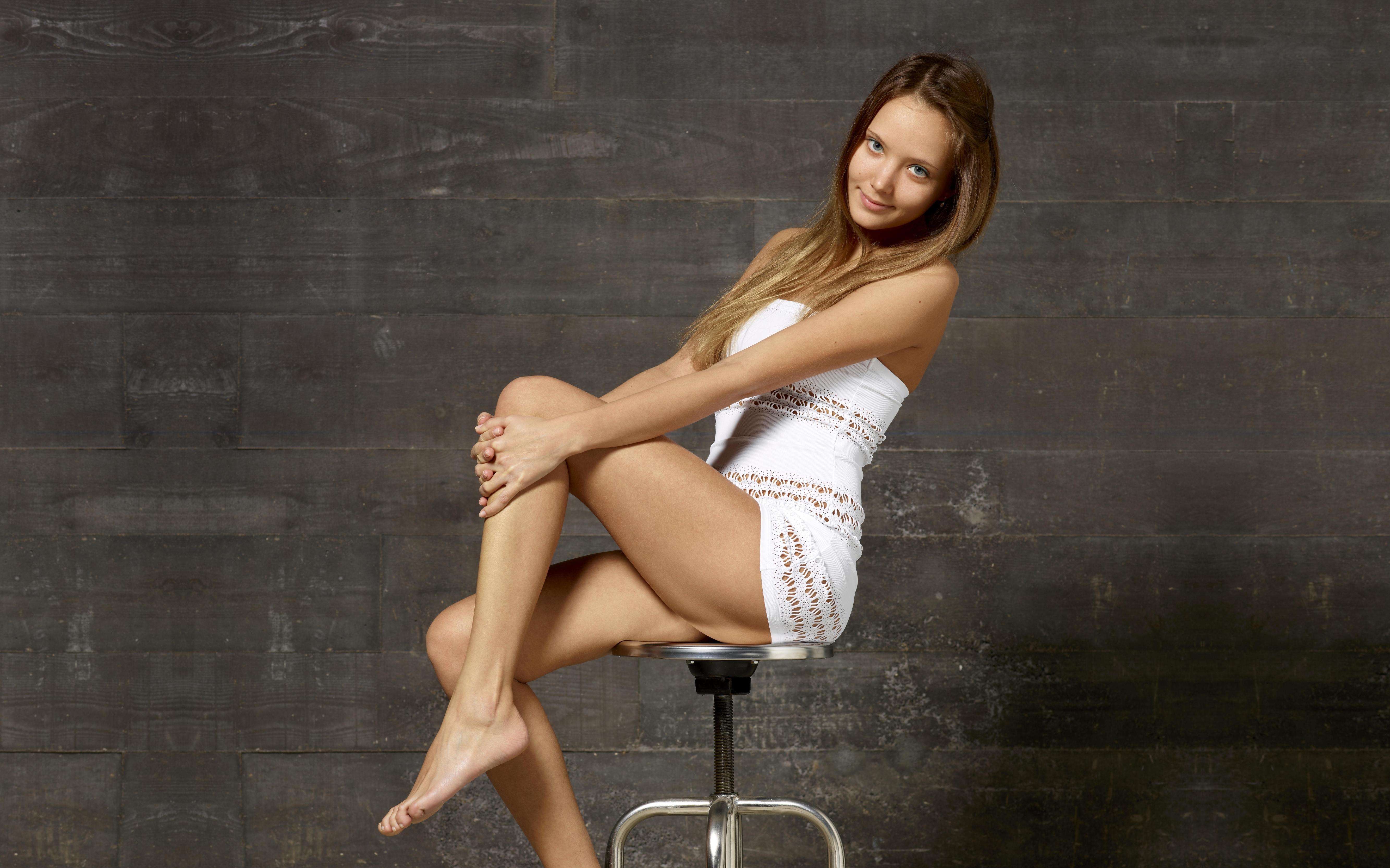 Юные ножки модели 23 фотография