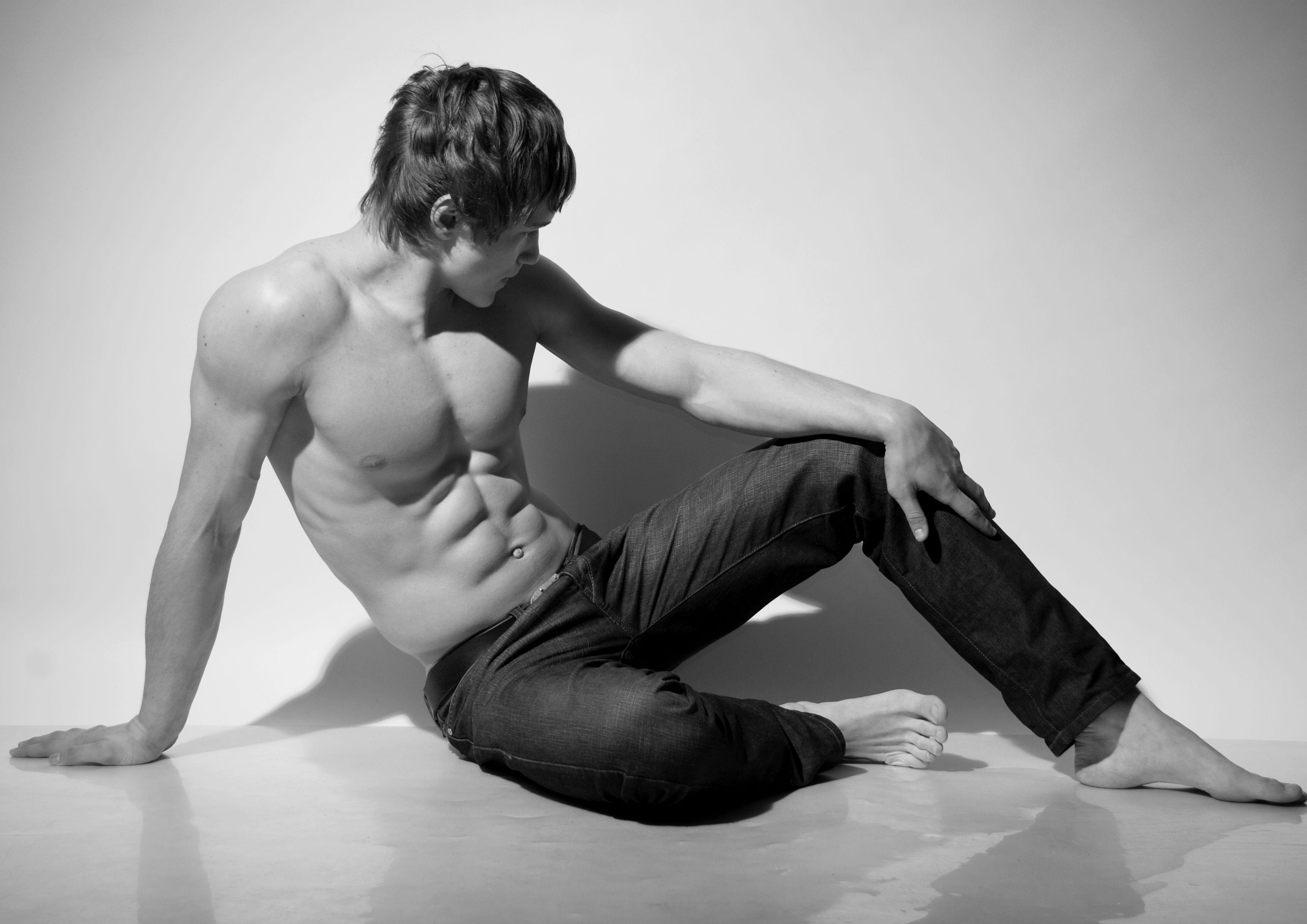 Сексуальные парни в джинсах 11 фотография
