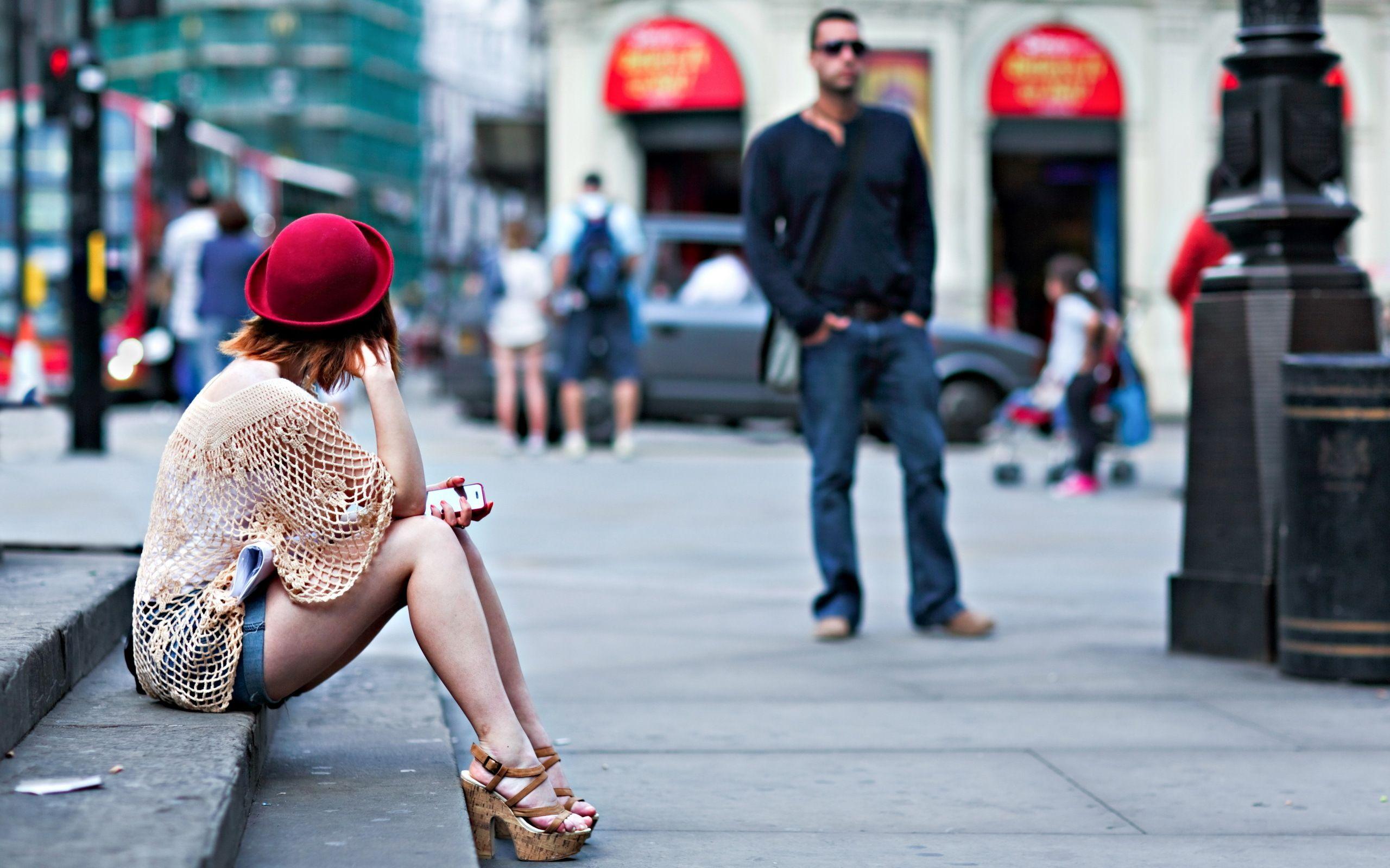 Секси девушка на каблуках 20 фотография
