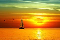 Картинки яхта на закате, скачать заставки парусник